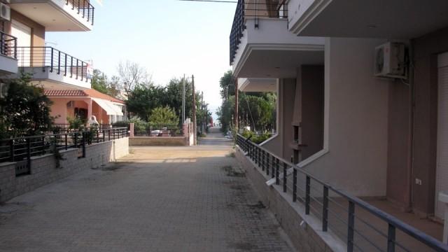 Otlichnaya-kvartira-42-kv-m-v-Paraliya-Ofriniou-9