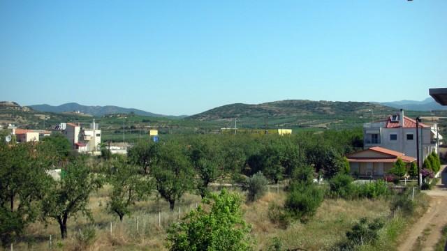 Otlichnaya-kvartira-63-kv-m-v-tsentre-Paraliya-Ofrinio-11