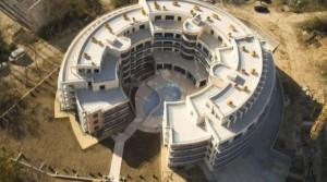 Квартиры в комплексе Аквамарин в нескольких метрах от пляжа в городе Обзор, Болгария