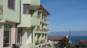 Дешевые апартаменты-студии в жилом здании в городе Бяла недалеко от моря, Болгария