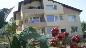 Трехэтажный коттедж в городе Варна, Болгария