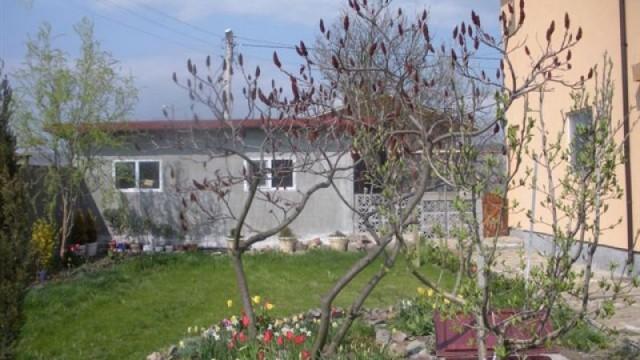 къща - миролюбово- 03