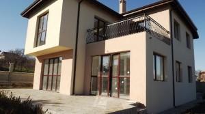 Двухэтажный дом в поселке Близнаци, Болгария