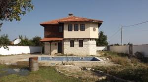 Двухэтажный дом в поселке Приселци, Болгария